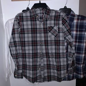 Arizona Button Down Shirt: NWOT, defect free!